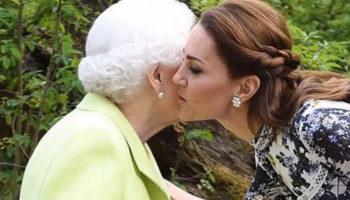 Поцелуй не по протоколу: Кейт Миддлтон и королева