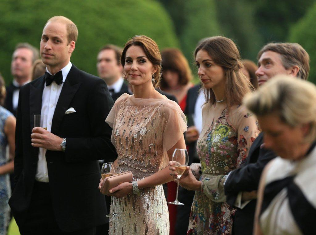 Действительно ли королева запретила принцу Уильяму разводиться с Кейт Миддлтон на фоне слухов об измене?